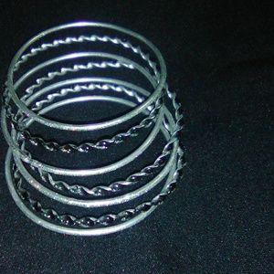 Silver bangle bracelet's